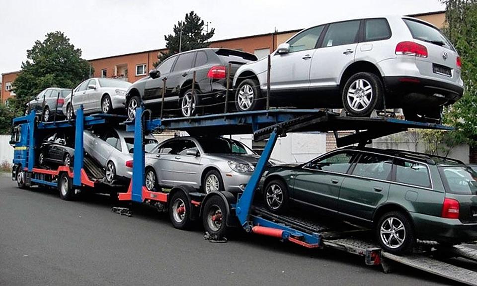 завищення митної вартості автомобіля